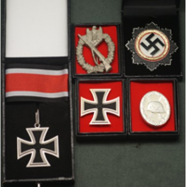 WW2 German Infantry Medal Set