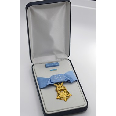 Medal of Honor (Army) with Case-Replica